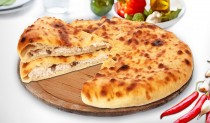 Осетинские пироги с курицей, сыром, грибами и болгарским перцем
